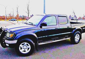 $1,4OO I'm selling urgentl 2OO4 Toyota Tacoma. for Sale in Elcho, WI