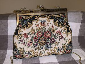 Vintage handbag for Sale in Germantown, MD