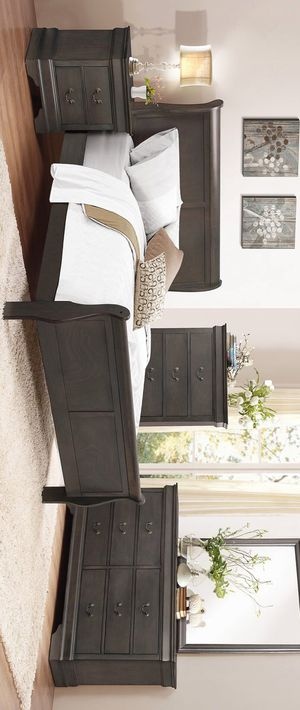 Gray 4 piece queen size bedroom set (bed, nightstand,Dresser and mirror) for Sale in Houston, TX