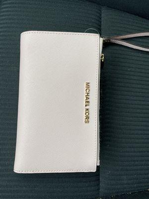 Michael kors hand wallet for Sale in Burke, VA