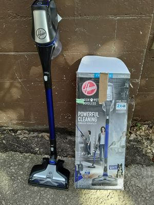 Fusion pet cordless Hoover vacuum cleaner for Sale in College Park, GA