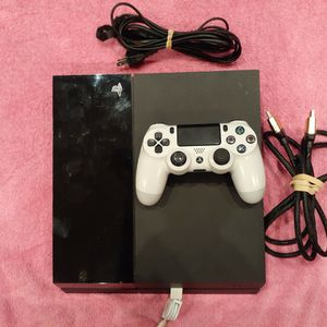 500 GB Ps4 With New Controller And All Plugs for Sale in Miami Gardens, FL