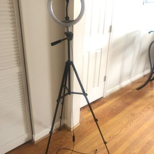 "10"" Ring light With 50"" Tripod for Sale in Arlington, VA"