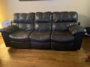 Brown leather sofa with 4 recliners!!! for Sale in The Bronx, NY