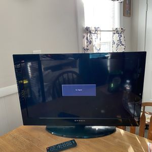 32 Inch flat Screen Tv for Sale in Fitchburg, MA
