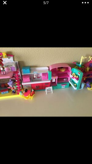 Like new Kids toys Nice Shopkins, Shopkins with Display Case( 300 pieces up) for Sale in Temple City, CA