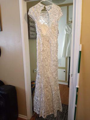 Wedding dress size 12 for Sale in Palmdale, CA