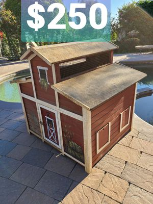 $250 Used Chicken Coop in Rancho Cucamonga California for Sale in Alta Loma, CA