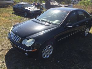2006 Mercedes Benz C350 W203 for parts for Sale in Clearwater, FL