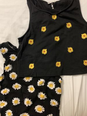 Girl's Daisy Crop Tops for Sale in San Diego, CA