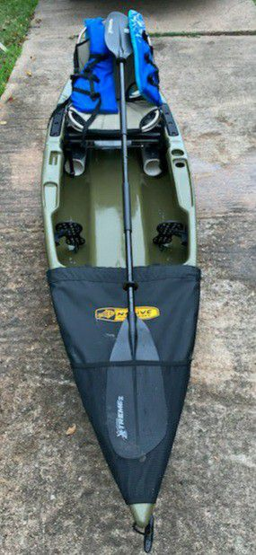 12ft comfortable chair, Native kayak for Sale in Houston, TX