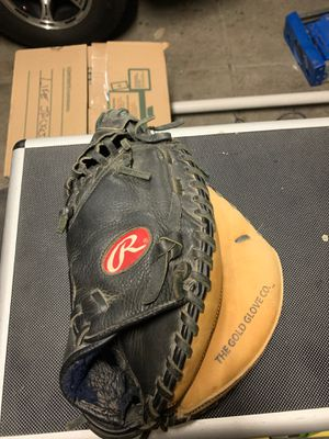 Baseball glove for Sale in Sacramento, CA