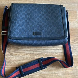 Authentic Gucci Messenger Bag for Sale in Costa Mesa, CA