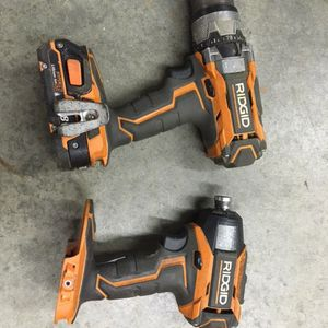 Ridgid drill and impact gun with one battery. $120 for Sale in Mount Vernon, WA