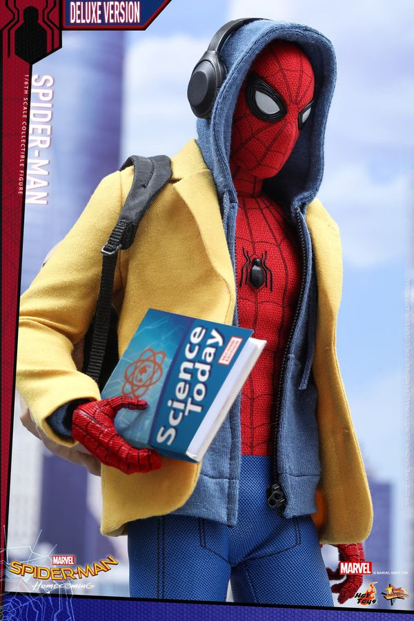 Hot Toys Deluxe Homecoming Spider-Man 1/6 scale figure