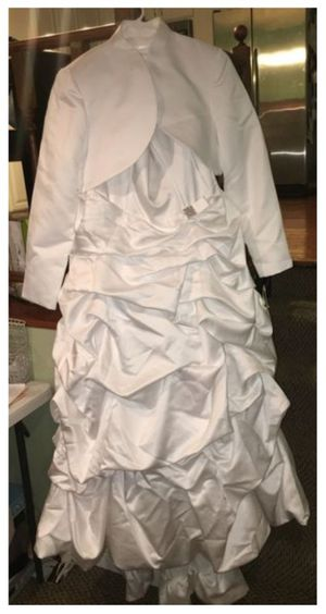 Lovely Brand New wedding dress plus size for Sale in San Antonio, TX