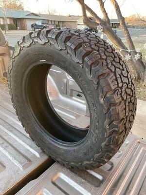 265/60/18 BF Goodrich All-Terrain KO2 for Sale in TX, US