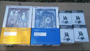 Portal 2 figma action figure series (Atlas and P -Body)+ 4 Sentry Turrets for Sale in Marysville, WA