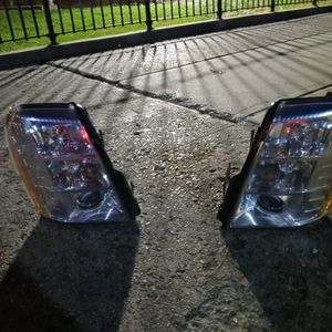 Cadillac Escalate 07 To 14 Headlights for Cheap for Sale in Brooklyn, NY