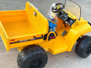 Limited edition John Deere for Sale in Azusa, CA