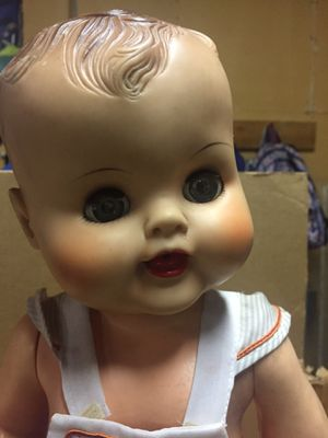 Box of antique dolls for Sale in Joint Base Lewis-McChord, WA