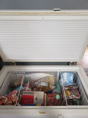 Deep freezer Ge- General Electric for Sale in Cleveland, OH