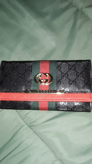 Gucci wallet for Sale in Fountain Hills, AZ