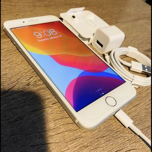 IPhone 8 Plus Gold T-Mobile Network for Sale in Chicago, IL