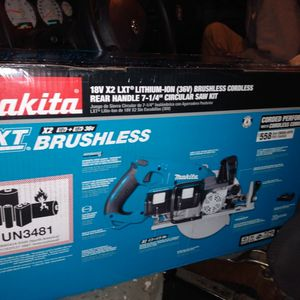 Makita Double Battery 7 1/4 Cordless Skill Saw, Plus Charger Plus Battery Plus Bag for Sale in Seattle, WA