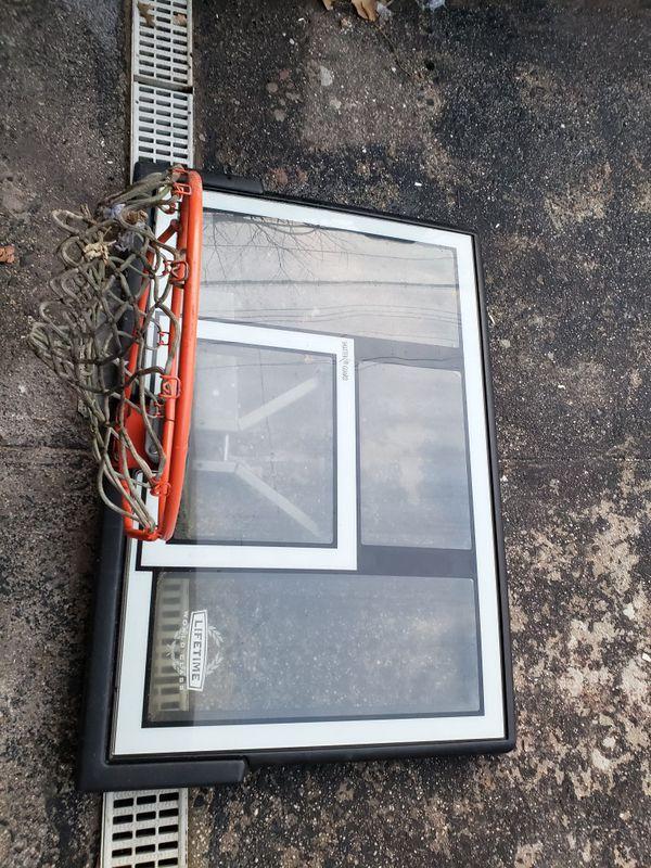 Basketball backboard + hoop