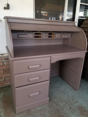 Desk for Sale in Moreno Valley, CA