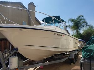 Fishing Boat 2352 Trophy Pro for Sale in Moreno Valley, CA