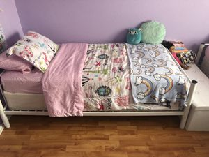 White metal twin bed frames and mattress/box springs for Sale in Pflugerville, TX