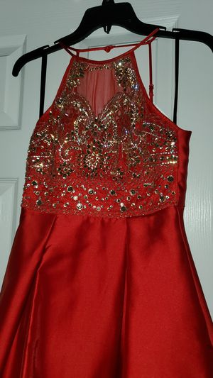 Beautiful Red dress. SIZE 1/2 for Sale in Boca Raton, FL