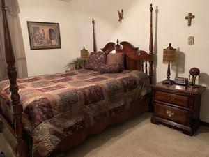 Bedroom Set for Sale in O'Fallon, IL
