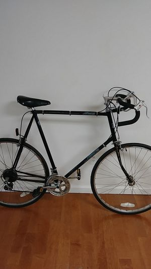"""27"""" steel road bike for Sale in Baltimore, MD"""