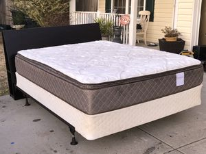 Queen Size Bed with Headboard, Mattress, boxspring and Rail. Very good condition. Delivery available. Hablar espanol for Sale in Raleigh, NC