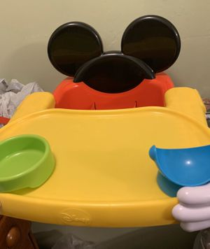 Disney booster seat like new for Sale in Cape Coral, FL