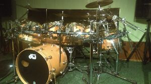8 Piece dw Drum Set with Gold Hardware All Accessories Included for Sale in Eastpointe, MI