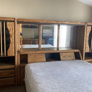 18 Year Old Real Oak Bedroom Set for Sale in Dinuba, CA