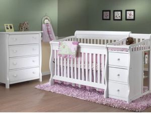 Princeton elite 4 in 1 crib and changing table for Sale in Metamora, IL