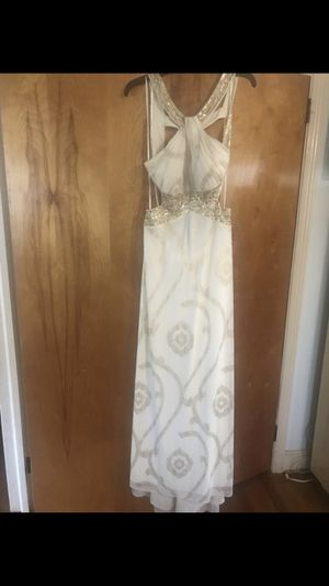 New Betsey & Adam prom dress size: 12 for Sale in Raleigh, NC