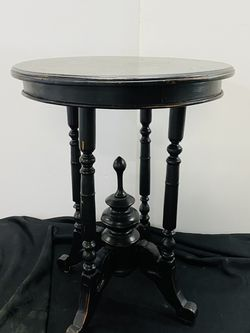 Set of 2 Black Side Tables for Sale in Portland,  OR