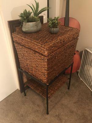 Wicker / medal frame basket /stand for Sale in Lafayette, LA