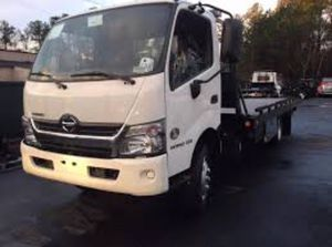 Low cost towing anytime anywhere fast reliable for Sale in Sacramento, CA