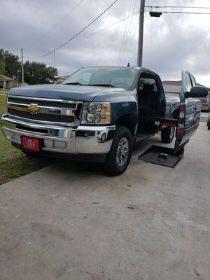 HANDICAP 2013 Chevy Silverado 1500 Extended Cab for Sale in Kissimmee, FL