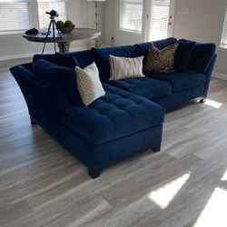 Cindy Crawford Sofa/chaise -Dark Royal blue for Sale in Hutto,  TX