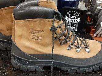 Mens Danner Combat Hiker Boots Size 12 Regular for Sale in Joint Base Lewis-McChord,  WA