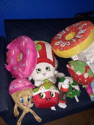 Bag of 9 pillows for kids or adult collectors shopkins donuts for Sale in San Antonio, TX
