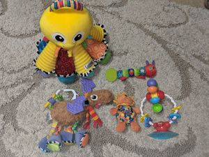 Lanaze Octotubes Octopus, Eric Carle & high chair suction cup activity teething toys for Sale in Friendswood, TX